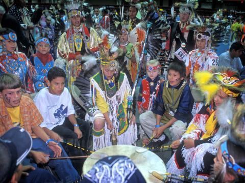 Le Black Hills Powwow met à l'honneur les chansons et danses indigènes des Grandes Plaines lors de concours