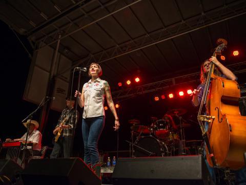 Prestation lors du festival de musique gratuit Best of the Bayou