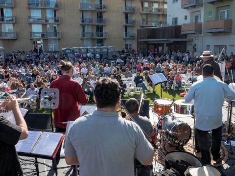 Prestation devant public au festival de jazz de Tucson