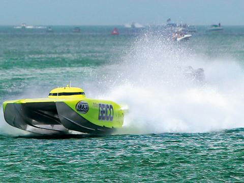Un hors-bord lors du Clearwater Super Boat National Championship