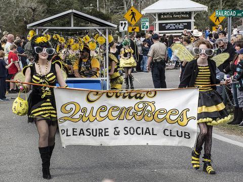 Le défilé Push Mow Parade d'Abita Springs est un événement incontournable entourant le Mardi gras