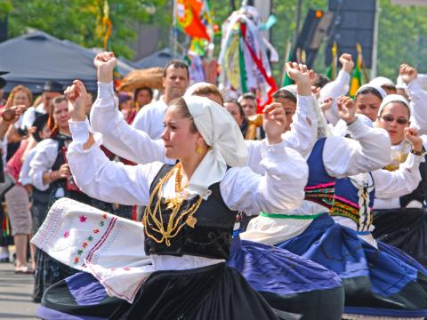 Le défilé haut en couleur du Jour du Portugal