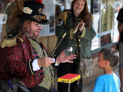 La magie opère avec ce magicien steampunk