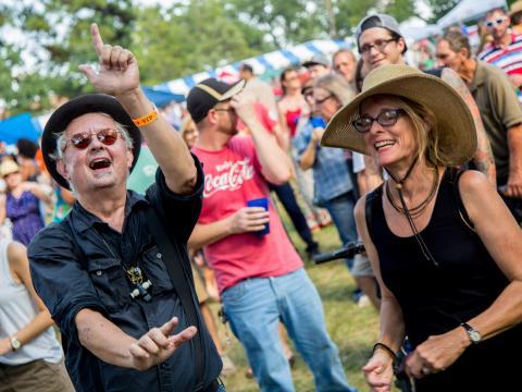 Invités VIP enthousiastes au Highland Jazz and Blues Festival