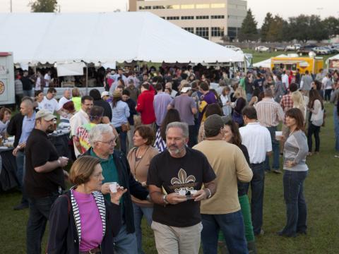 Dégustation de bière au Gulf Brew Festival à la Lafayette Horse Farm