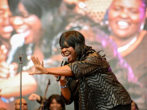 Plaisir avec la foule au Chicago Gospel Music Fest