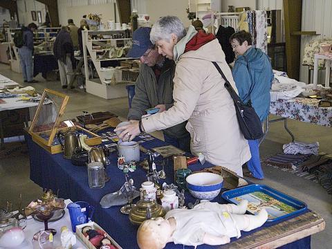 Dénichez des objets anciens au Gold Rush Antique Show and Market