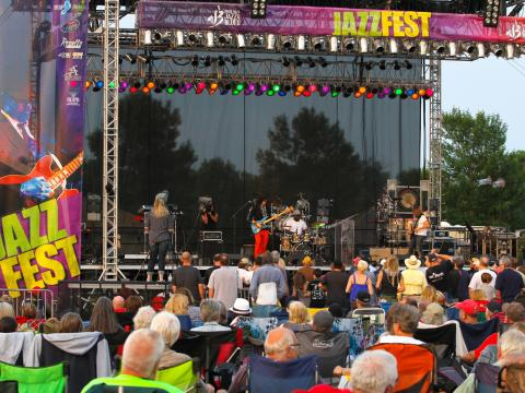 Musiciens de renommée locale et nationale se produisent lors de ce festival populaire