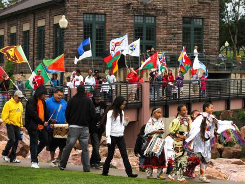 Cette célébration des cultures du monde est un vrai régal pour les yeux, les oreilles et les papilles