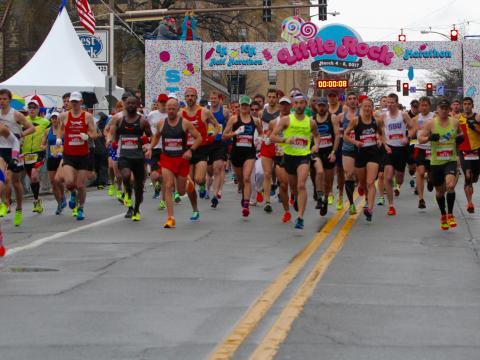 Coup d'envoi du marathon de Little Rock