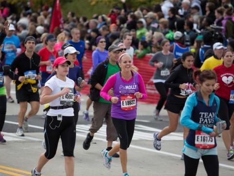Participants au marathon annuel de Chicago
