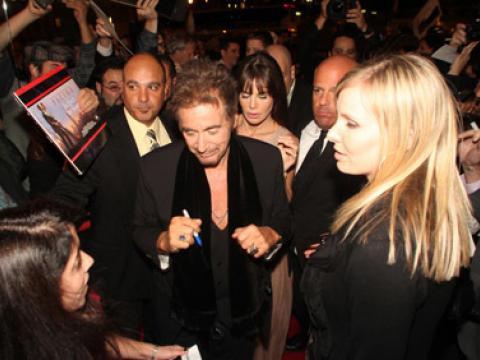 L'acteur AlPacino signe des autographes au festival international du film de Chicago