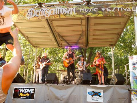 Concert à l'occasion du Deutschtown Music Festival à Pittsburgh, Pennsylvanie