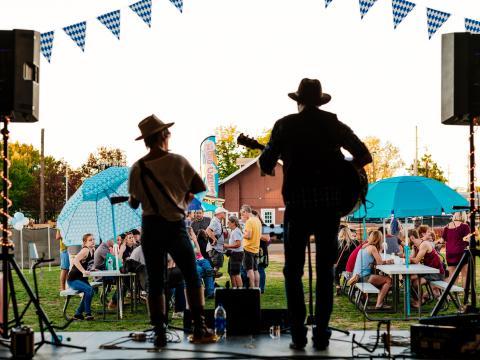 Concert en plein air au Frisco Festival à Rogers, dans l'Arkansas